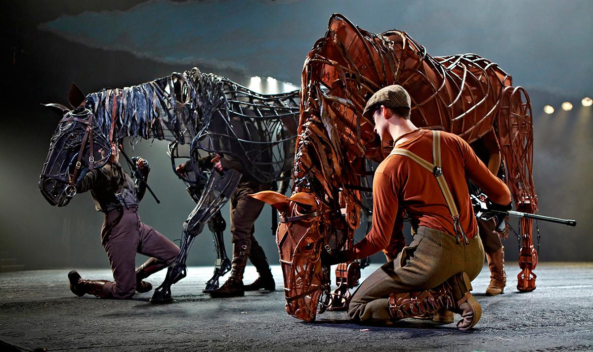 War-Horse-at-the-New-London-Theatre.-Photo-by-Brinkhoff-Mögenburg---Copy
